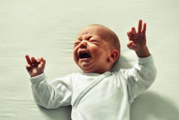 come far smettere di piangere un bambino
