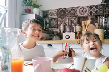 kinder fetta al latte colazione bambini scuola
